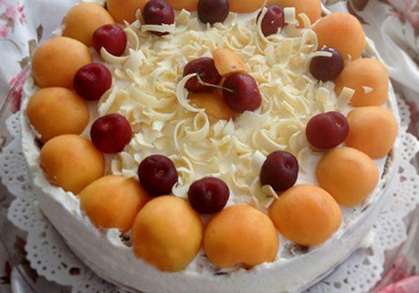 עוגת גבינה אפויה עם מישמשים