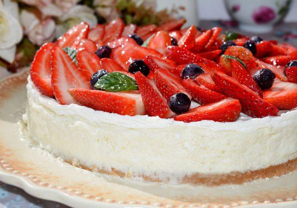 עוגת גבינה עם שמנת חמוצה