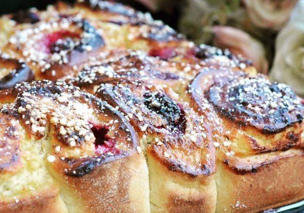 עוגת שמרים גבינה עם פירות יער