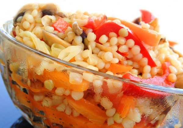 ארוחת שאריות פתיתים או פסטה